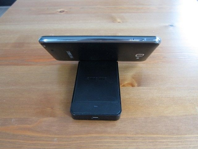 NoteHolderCharger19 thumb Samsung Galaxy Note Holder and Battery Charger Review