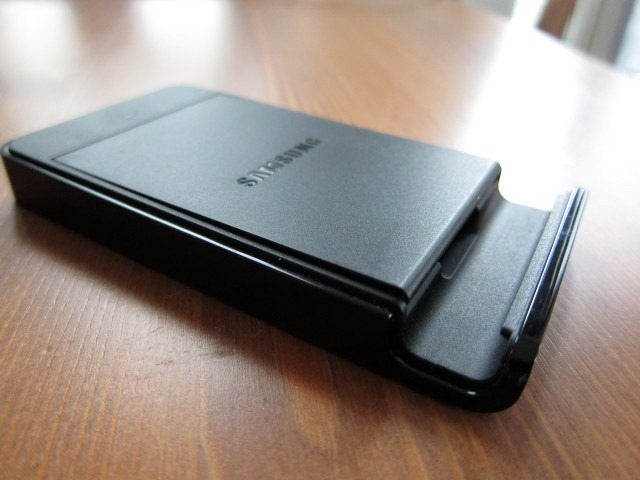 NoteHolderCharger3 thumb Samsung Galaxy Note Holder and Battery Charger Review