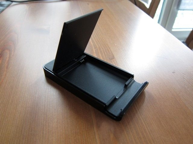 NoteHolderCharger6 thumb Samsung Galaxy Note Holder and Battery Charger Review