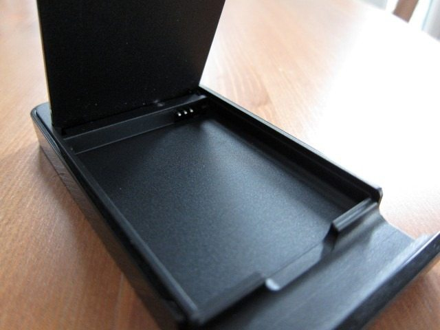 NoteHolderCharger7 thumb Samsung Galaxy Note Holder and Battery Charger Review