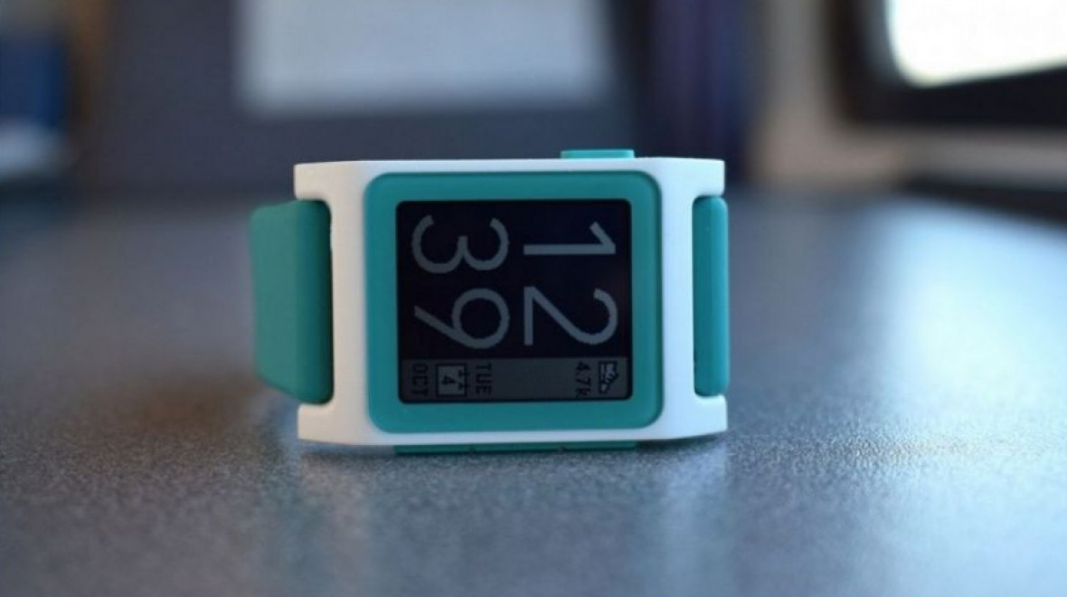 Pebble reborn: Living with Rebble