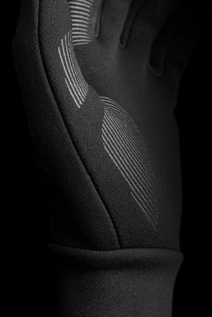 Touchscreen-Gloves-06